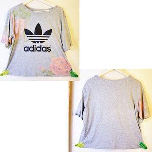 NWOT - Adidas, Floral Trefoil, Mottled Gray tee